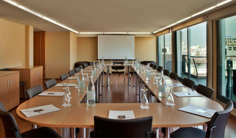 Sala de Reunião Gulbenkian Turim Ibéria
